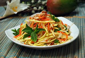 Pho Dui Bo Mango Salad