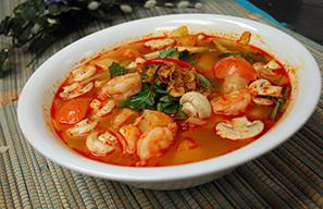 Pho Dui Bo Sweet & Sour Tom Yum Shrimp Soup with Rice