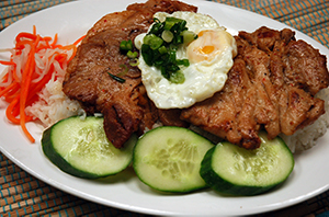 Pho Dui Bo Steamed Rice with Grilled Chicken, Pork Chop & Fried Egg