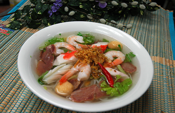 """""""MyTho"""" Style Seafood with Rice Noodle & BBQ Pork"""